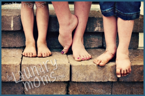 Dirty, Feet, fall, fun, friends, play, kids, happy, enjoy, Dirty Feet, Life Lessons, Life with Kids, bathing tips, stress management